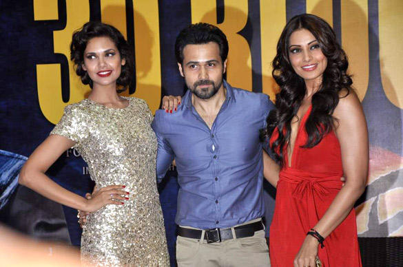 Esha,Bipasha and Emraan Pose During The Success Bash Of Raaz 3