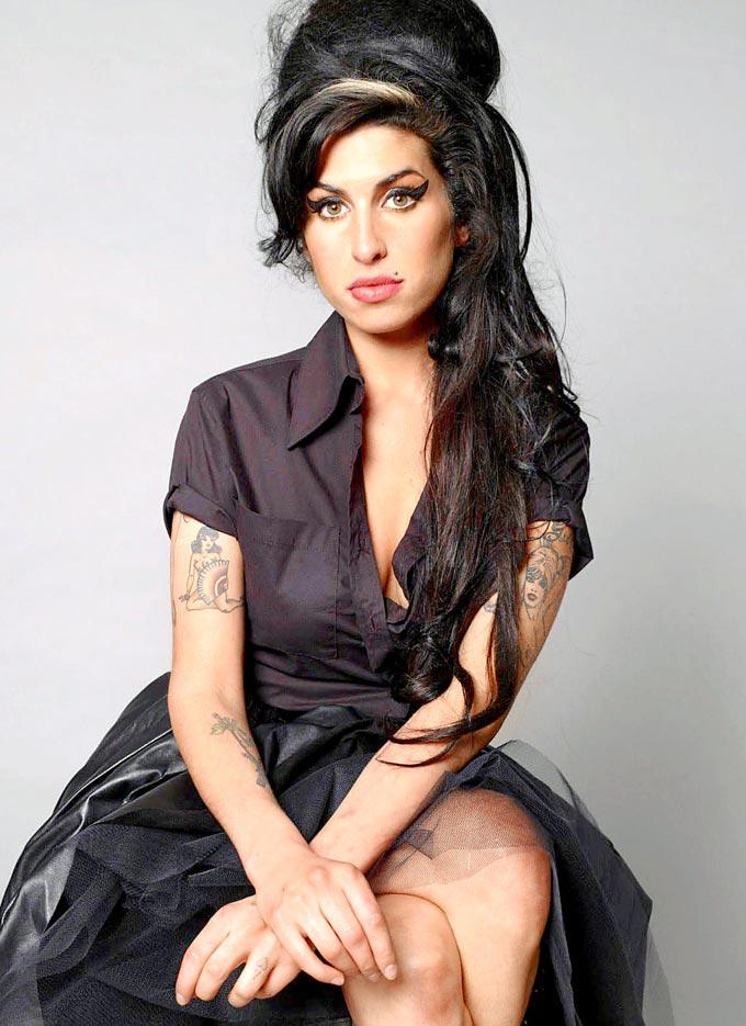Amy Winehouse Spicy Pose Photo Shoot