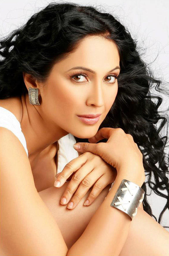 Kalpana Pandit Sizzling Sexy Pic