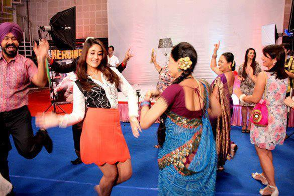 Kareena Promote Heroine On The Sets Of Taarak Mehta Ka Ooltah Chashmah