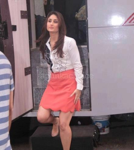 Kareena Spotted at Taarak Mehta Ka Ooltah Chashmah For Heroine Promotion