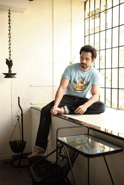 Emraan Hashmi Pose To Photo Shoot