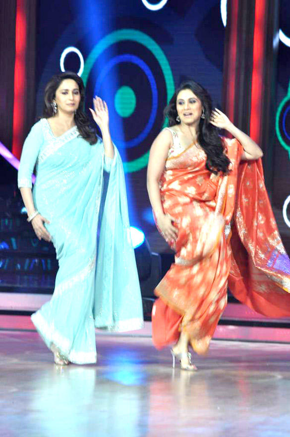 Rani Mukherjee Got To Shake A Leg With Madhuri Dixit On The Sets of Jhalka Dikhlaa Jaa