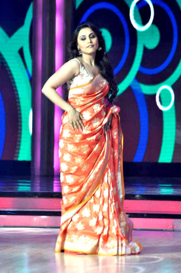 Rani Mukherjee Promote Aiyyaa On The Sets of Jhalka Dikhlaa Jaa