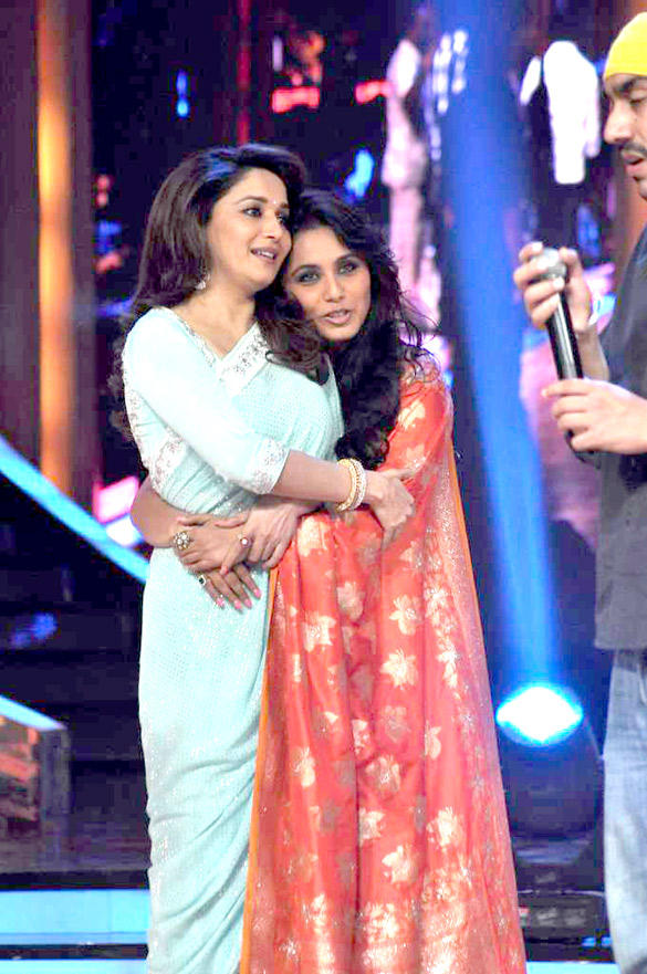 Rani On The Sets of Jhalak Dikhhla Jaa Reality Show To Promote Her Upcoming Movie Aiyyaa