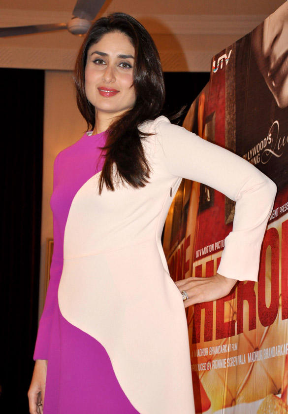 Kareena Kapoor Pose During The Press Conference of Heroine