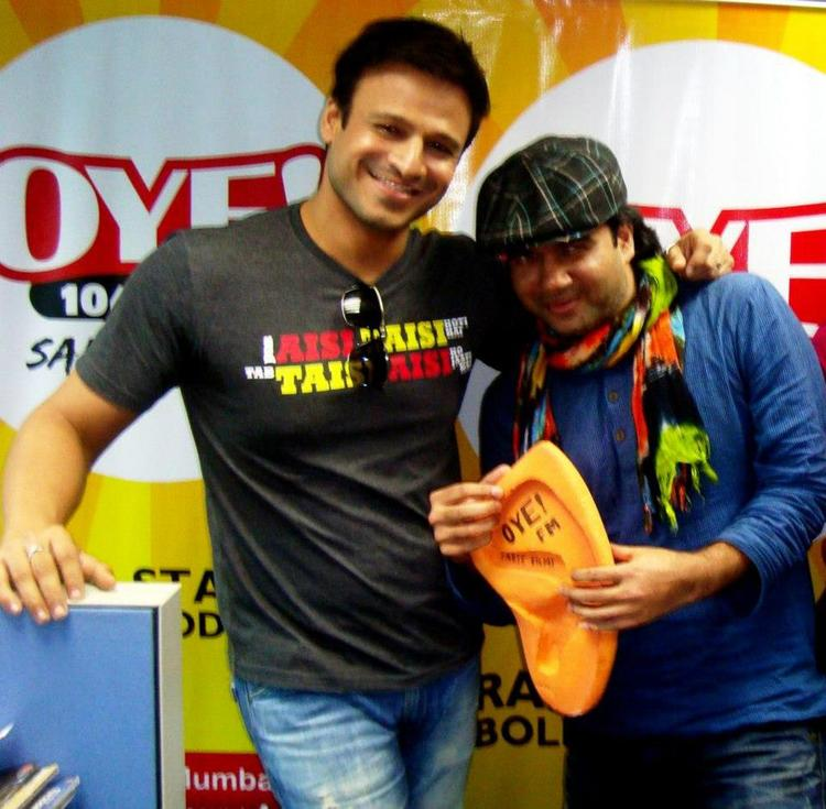 Vivek Oberoi at OYE 104.8 FM To Promote KLPD