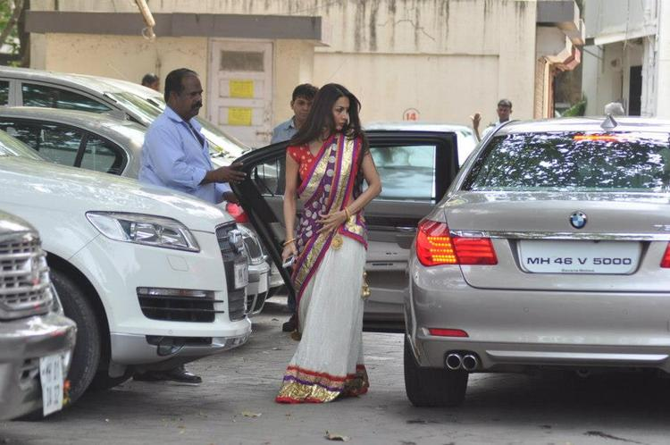 Malaika Snapped at Salman Khan Residence For Ganesh Pooja
