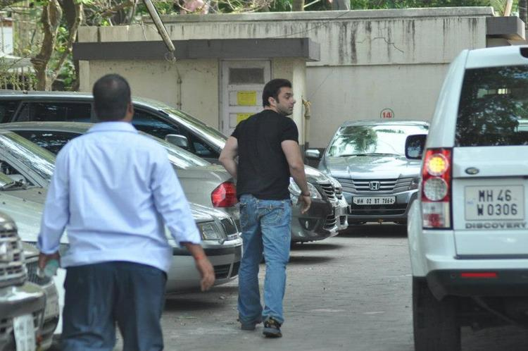 Sohail Khan Spotted at Salman Khan Residence For Ganesh Pooja