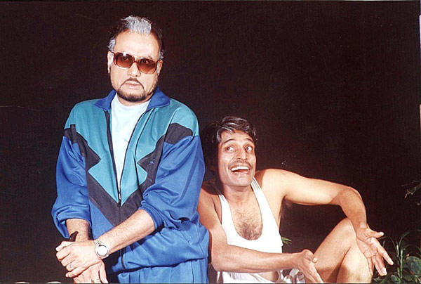 Dinesh Thakur and Atul Mathur in Hatteri Kismat