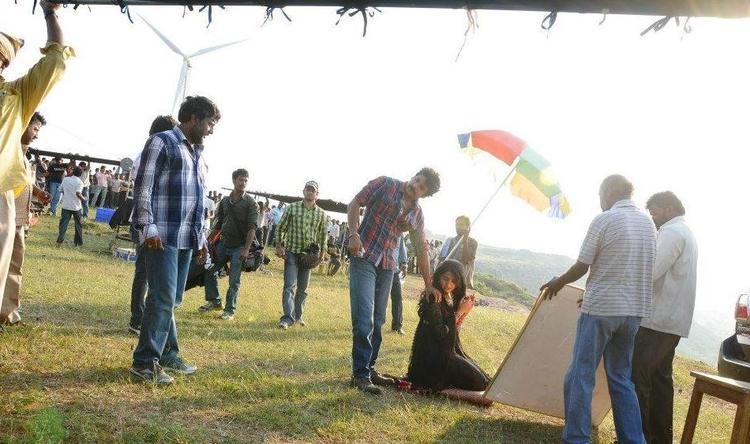 Nagarjuna and Anushka Shooting Set Still