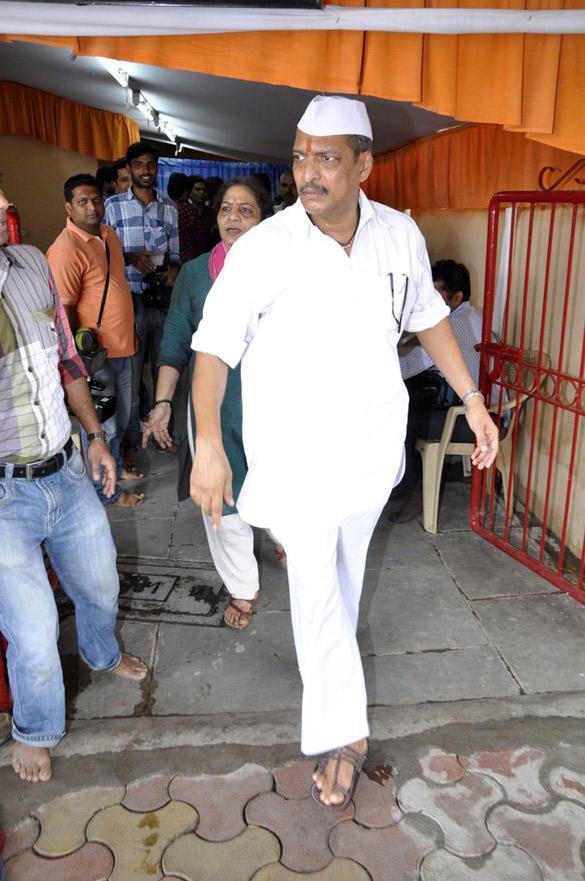Nana Patekar Celebrates Ganesh Chaturthi at Home