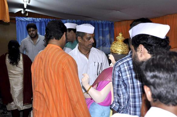 Star Nana Patekar Welcomed The Ganesh Idol at His Home