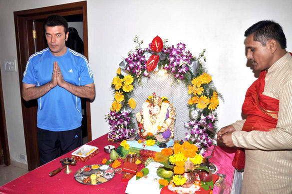 Aditya Pancholi Celebrating Ganesh Chaturthi in His Home