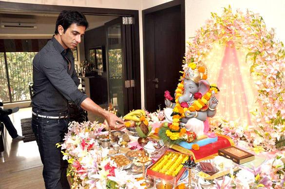 Sonu Sood Celebrating Ganesh Chaturthi in His Home