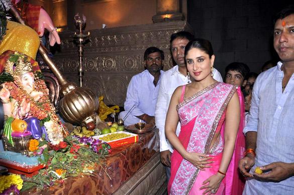 Kareena Kapoor in Pinkalicious Manish Malhotra Saree at Ganesh Chaturthi Celebrations