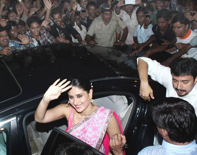 Kareena Kapoor Visits Lalbaugcha Raja