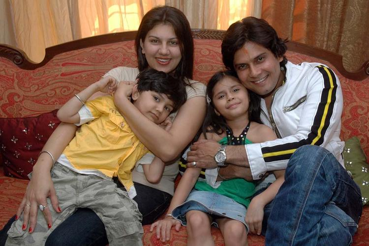Actor Amar Upadhyay and His Family Sweetest Pic