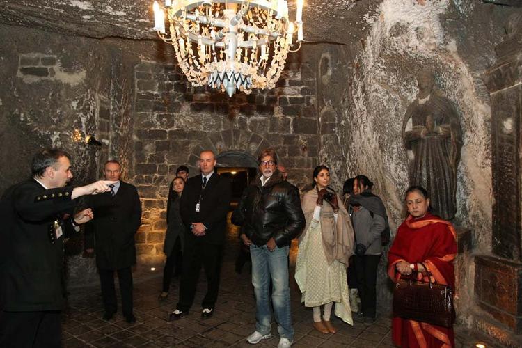 Amitabh Bachchan and Jaya Bachchan With Their Daughter Shweta