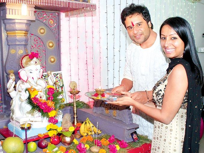Ganesh Chaturthi Celebrating By Krushna Abhishek and Kashmira Shah
