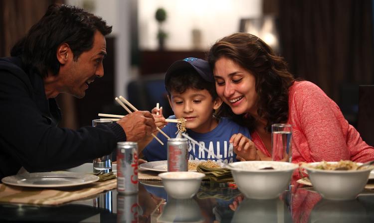 Kareena and Arjun A Still From The Movie Heroine