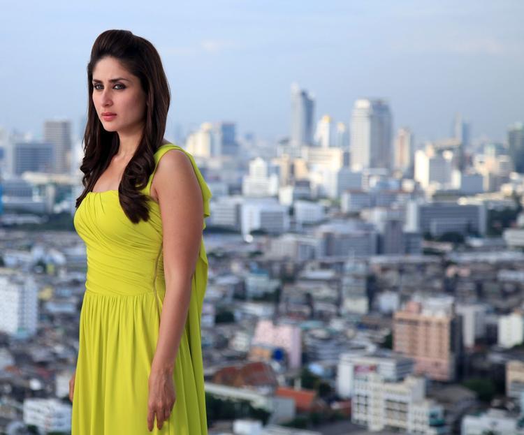 Kareena Kapoor Sizzling Pic In Heroine