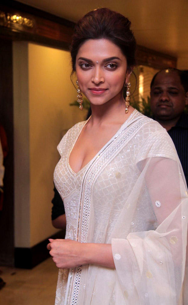 Deepika Looks Just So Classy In Her Short Sleeves Lucknowi Embroidered Anarkali