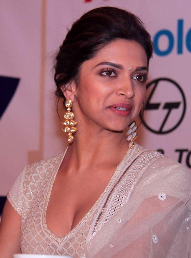 Deepika Padukone Sizzling Pic With Amrapali Jewels Earrings