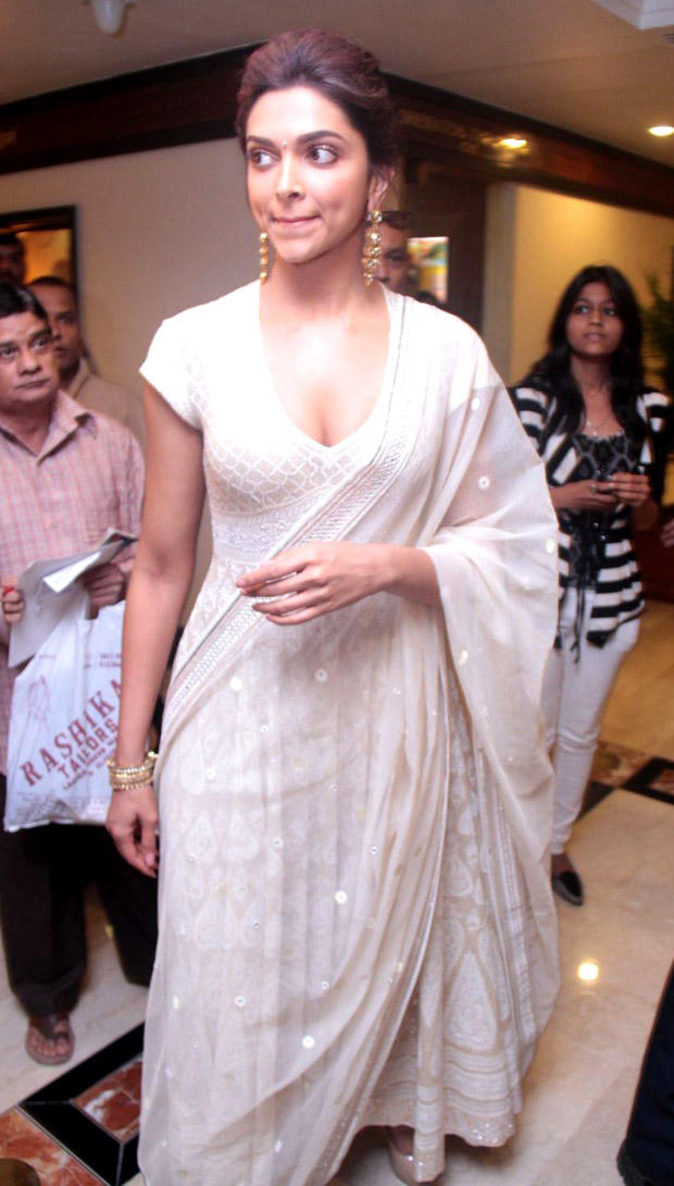 Deepika Padukone Teamed Her Outfit With Nude Peeptoe Heels And Amrapali Jewels Earrings And A Bangle