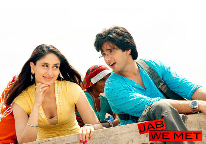 Kareena Kapoor and Shahid Kapoor Romantic Pic In Jab We Met