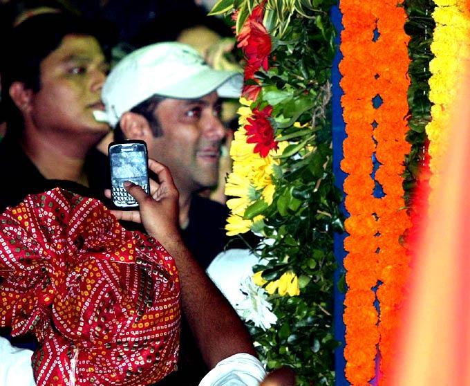 Salman Khan Bid Farewell To Ganpati
