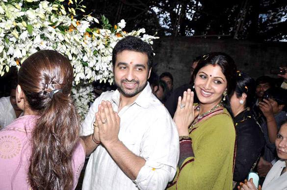 Shilpa,Raj and Shamita at Ganesh Visarjan Ceremony