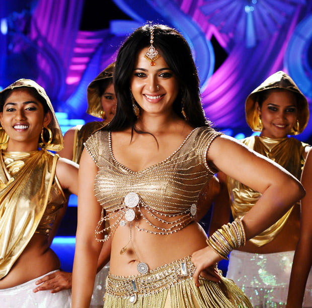 Anushka Shetty Looks Sexy In Damarukam Movie
