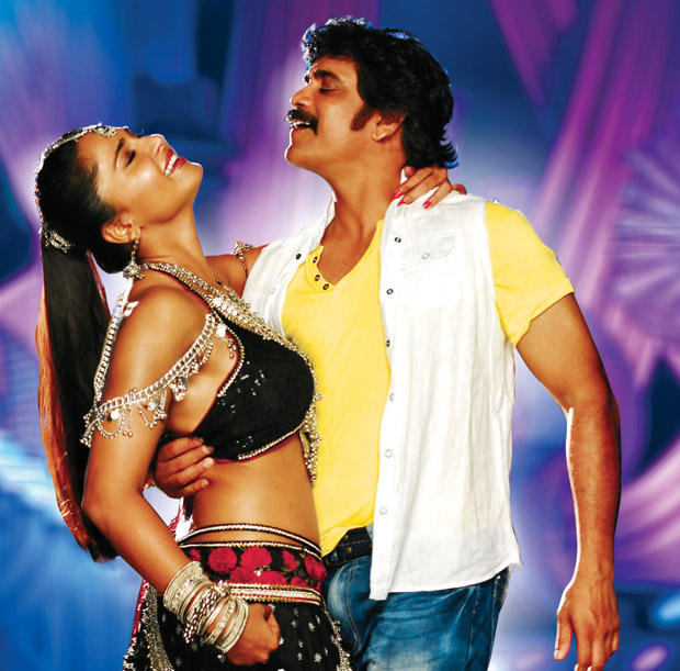Nagarjuna and Anushka Hot Sexy Still In Damarukam Movie
