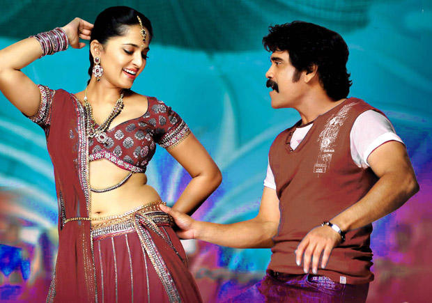 Nagarjuna and Anushka Sexy Dance Still In Damarukam