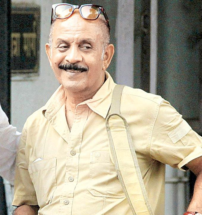 Deepak Qazir At Dinesh Thakur Funeral