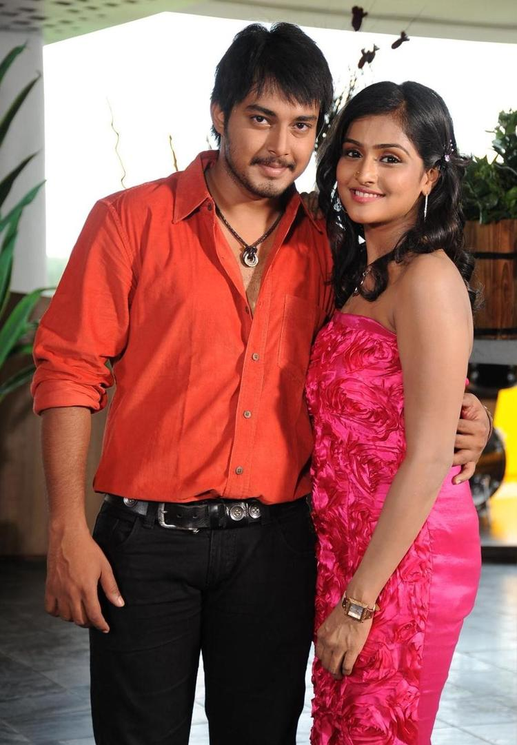Tanish and Ramya Nice Pose In Abbai Movie