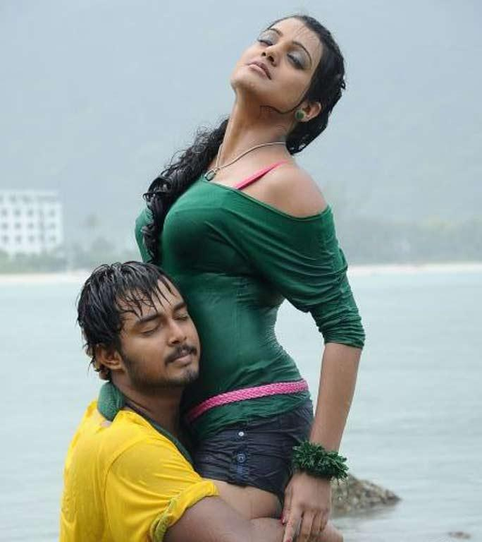 Tanish and Tashu Kaushik Telugu Abbai Movie Spicy Pic