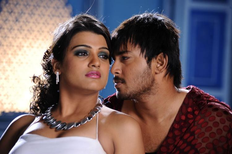 Tanish  Hot With Tashu In Abbai Movie