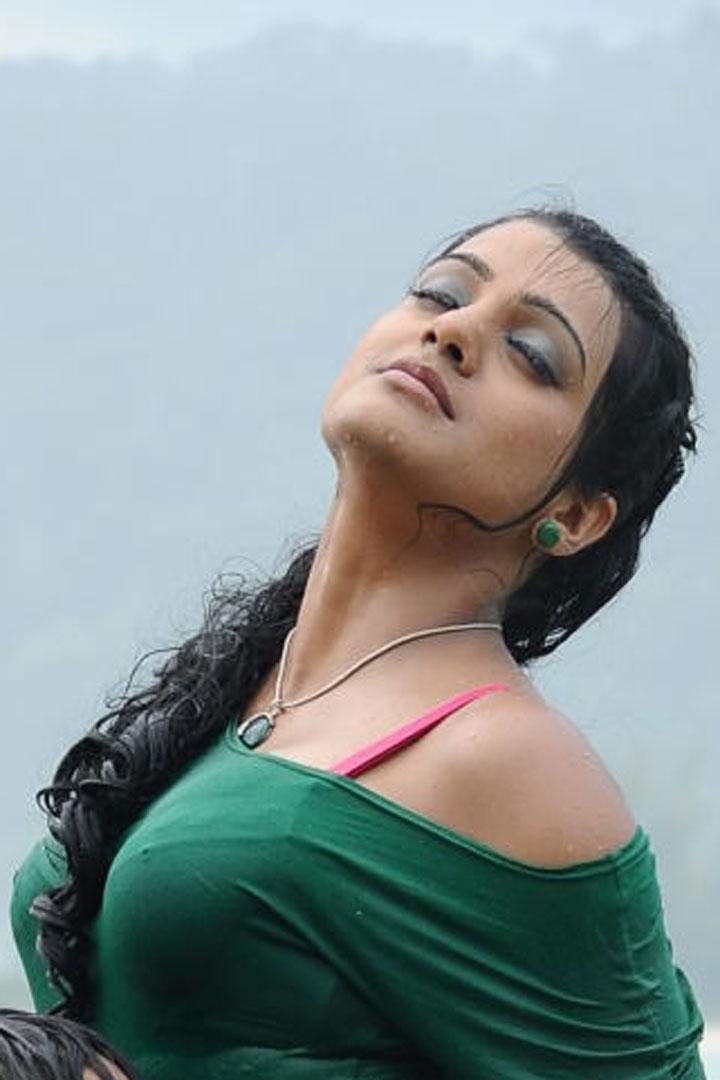 Tashu Kaushik Bold Still In Abbai Movie