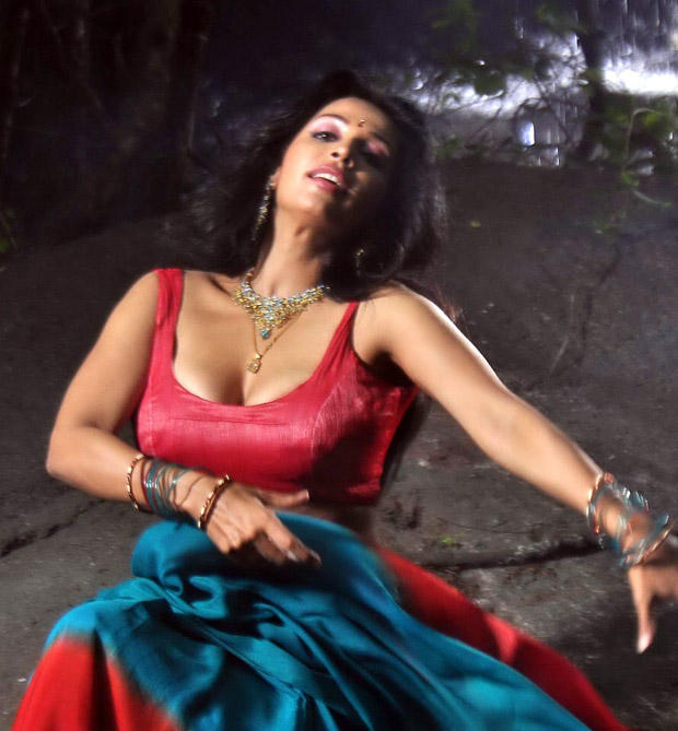 Asha Shaini Super Sexy Pose Photo Shoot