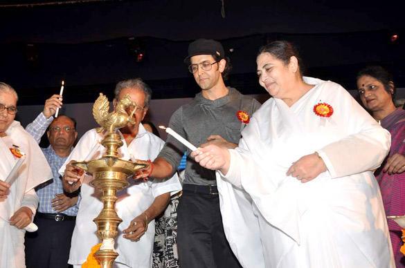Bollywood Heartthrob Hrithik Made An Appearance at The Launch of I Pledge 4 Peace