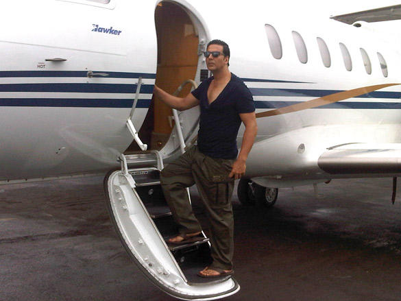 Akshay Kumar Snapped To Promote OMG-Oh My With Private Plane