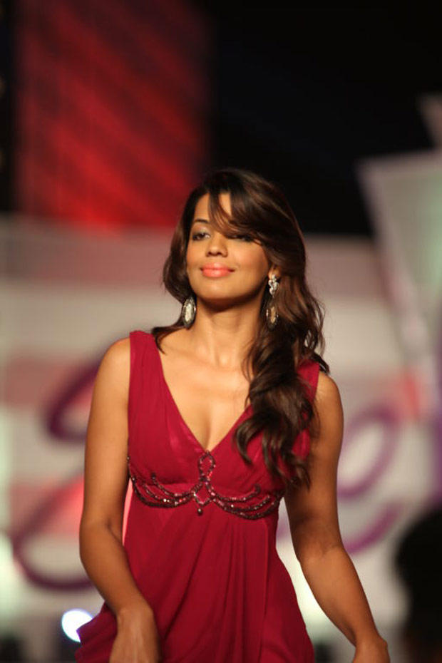Mugdha Godse In Maroon Gown Gorgeous Still at  I Am She Finale 2012