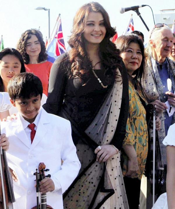 Aishwarya During The International World Peace Day Event
