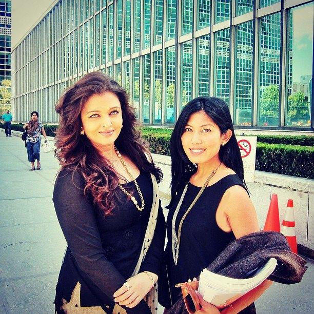 Aishwarya Poses To Photo Shoot at United Nations in New York