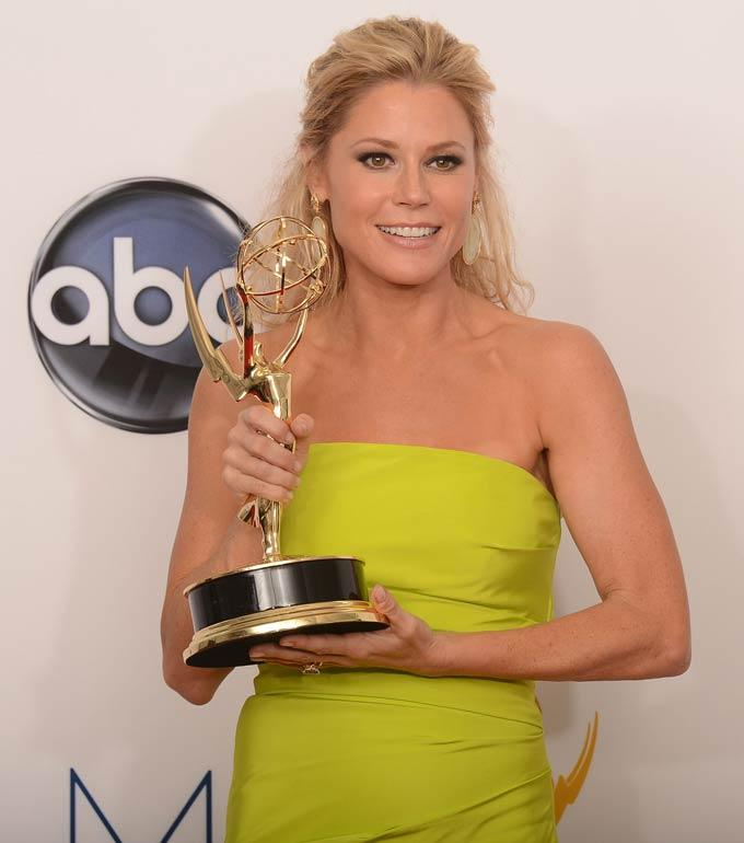 Julie Bowen With Her Award at Emmy Awards 2012