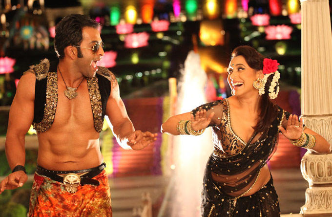 Rani and Prithviraj Dance Still In New Movie Aiyyaa