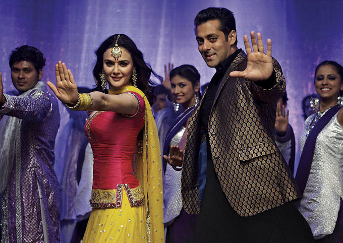 Salman and Preity Song Still In New Movie Ishkq in Paris