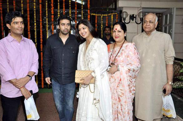 Shilpa Shetty With Family at Jeetendra's Ganesh Visarjan Ceremony